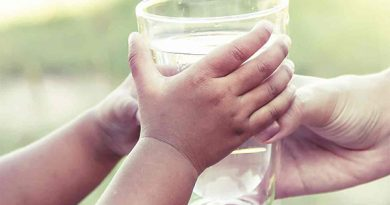Ayurvedsutra Vol 04 issue 06 31 390x205 - Can drinking more water make your kid smarter?