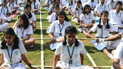 yoga in schools 400x225 - Make yoga compulsory in schools & colleges: Shripad Yesso Naik to HRD Ministry